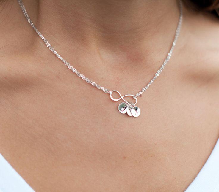 Collana di Infinity personalizzati, madri collana, collana di amicizia, monogramma collana, regalo per la mamma, collana d'argento infinito by BriguysGirls on Etsy