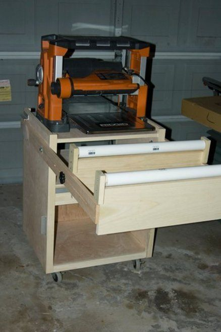 Shopnotes rolling Planer Stand with PVC outfeed roller & flip-up outfeed wing