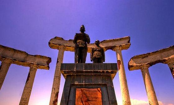 Monumen tugu pahlawan - surabaya