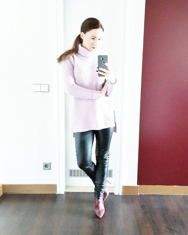 Fashion Blogger Deutschland Wochenrueckblick Pullover Lederhose