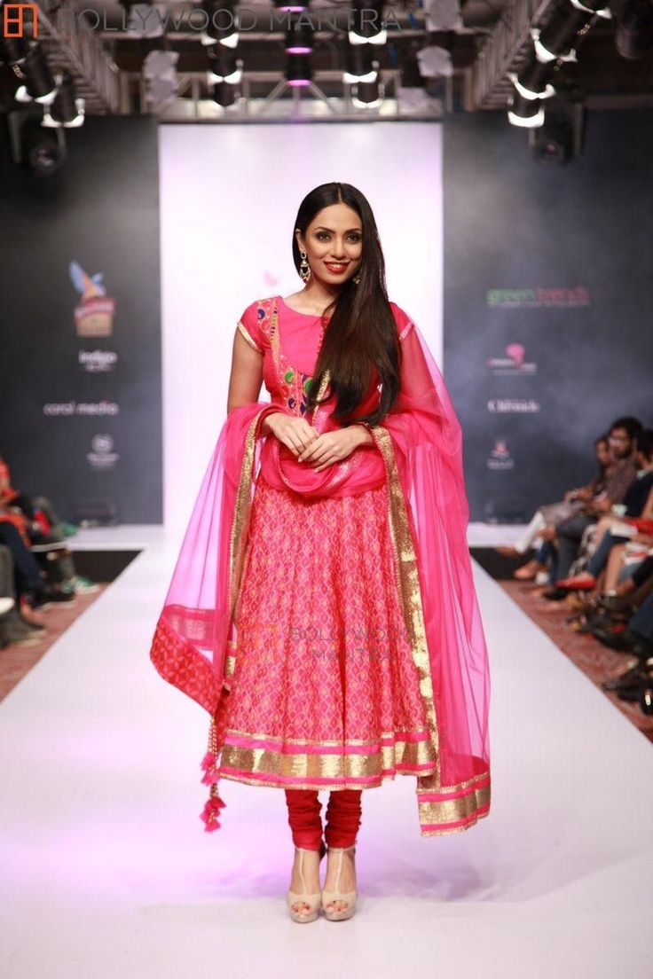 | JJ Valaya IBFW - India Bridal Fashion Week 2014 Day 3 Photo #297
