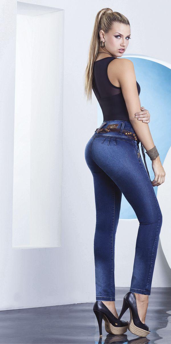 Realza tu belleza Natural, con lindos Diseños de jeans de nuestra marca T&T. http://jeanstyt.com/portfolio-items/pantalon-zafari/