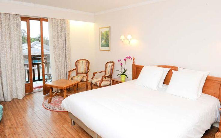 L'Hôtel Le Clos Deauville Saint-Gatien, situé entre Deauville, Trouville et Honfleur, vous accueille dans son vaste domaine ou tout a été pensé pour l'assurance d'un séjour réussi.
