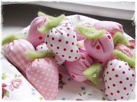 Frau Froggis Aktivitäten: Heute frische Erdbeeren