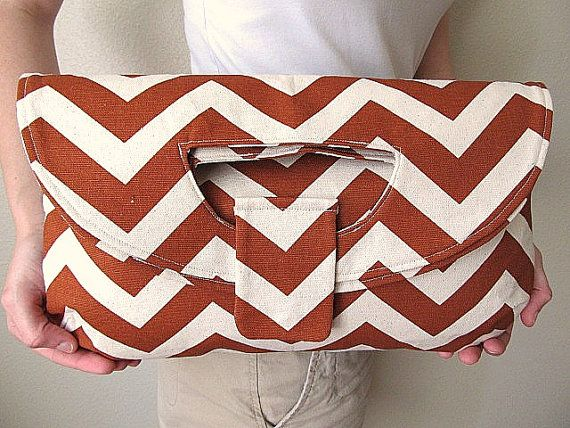 i'm in love: Bags Lov, Bags Inspiration, Chevron Purses, Chevron Bags, Large Clutches, Chevron Chevron, Bags Pur Backpacks, Bags Purses Backpacks, Foldover Clutches