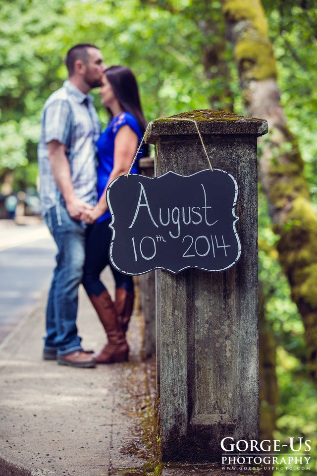 Engagement photo idea Chalk board save the date  Image by: Gorge-Us Photography www.gorge-usphoto.com