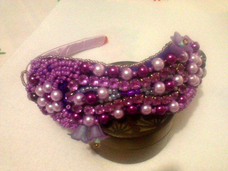 Bracelet and tiara;The sewn with beads is removable
