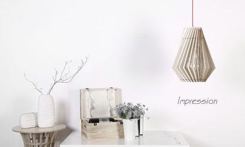 Do tvorby svietidiel bola vložená láska a rešpekt k tradičným remeslám a prírodným materiálom, akým je drevo