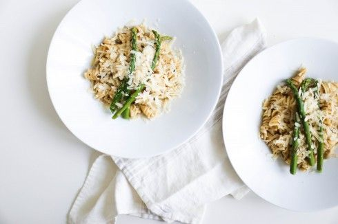 Pasta with artichoke and pine nuts