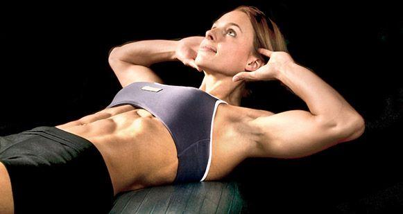 Trabaja abdomen alto, bajo y lateral intensamente con esta rutina HIIT.