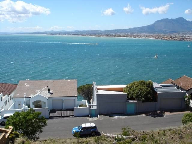 Gordons Bay Property | Price: R 1,300,000 | Ref: 3119116