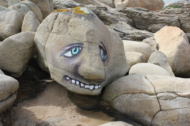 Could be great to do on rocks bordering fence. Rocky faces by Costah