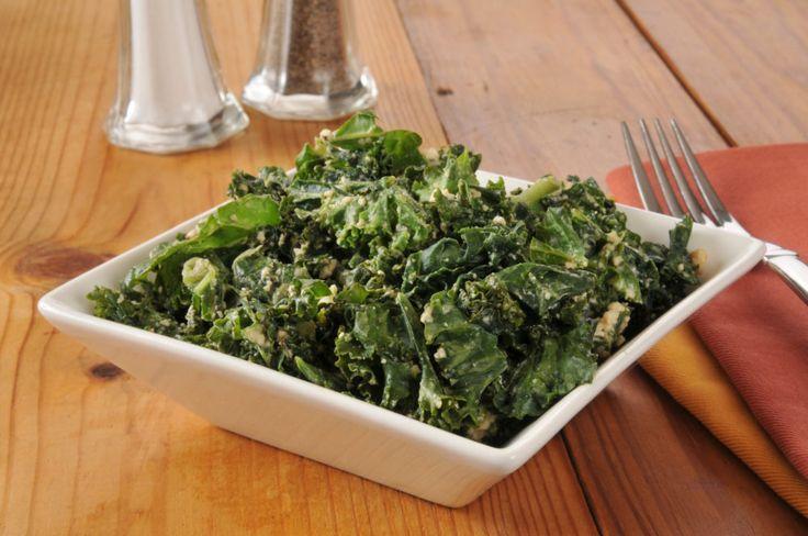 grönkål, sallad, grönkålssallad, mandel, nötter, grönkålssallad med mandel, grönkålssallad med nötter, recept, grön mat, vegetarisk, vego, vegetarisk rätt