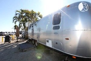 Galloping in Fully-Equipped Airstreams, Summerland Key, Florida - Rent one of these Airstreams and enjoy comfortable beds, kitchens and air conditioning, along with WIFI, television and bathroom.