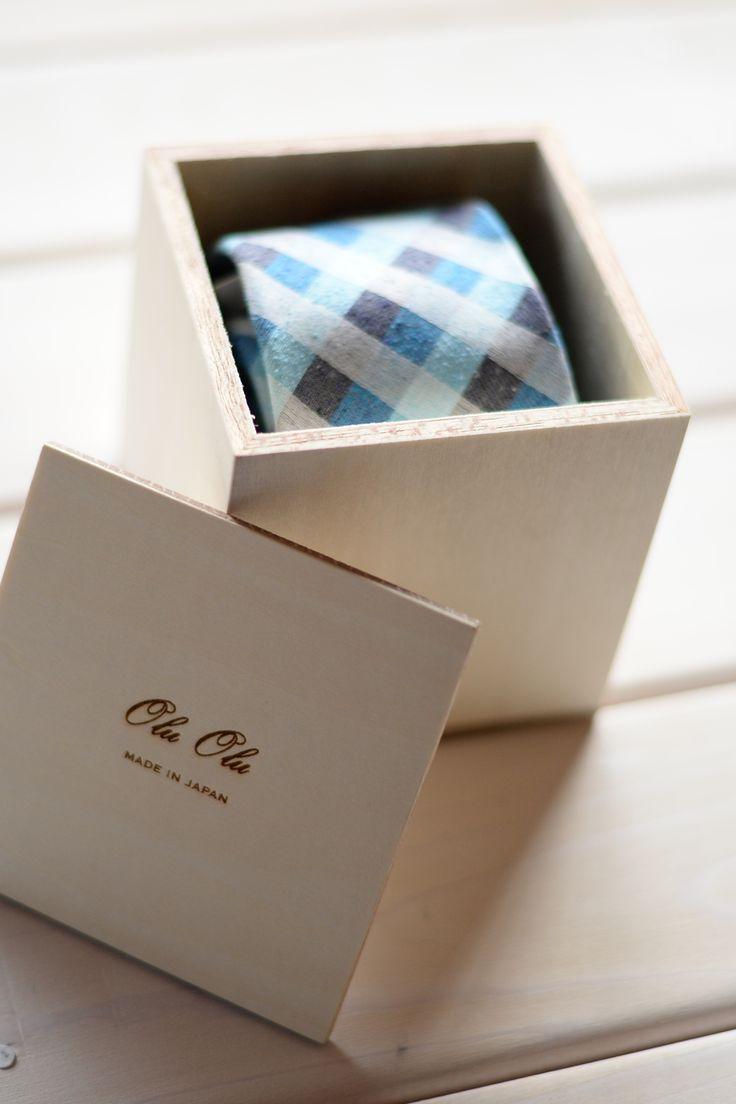 ギフトボックスが、ネクタイの魅力を引き立てる