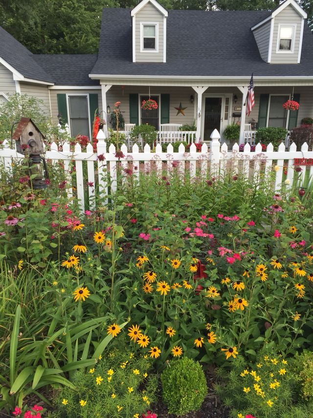 25 best picket fence garden ideas on pinterest define corner focal point definition and picket fence gate