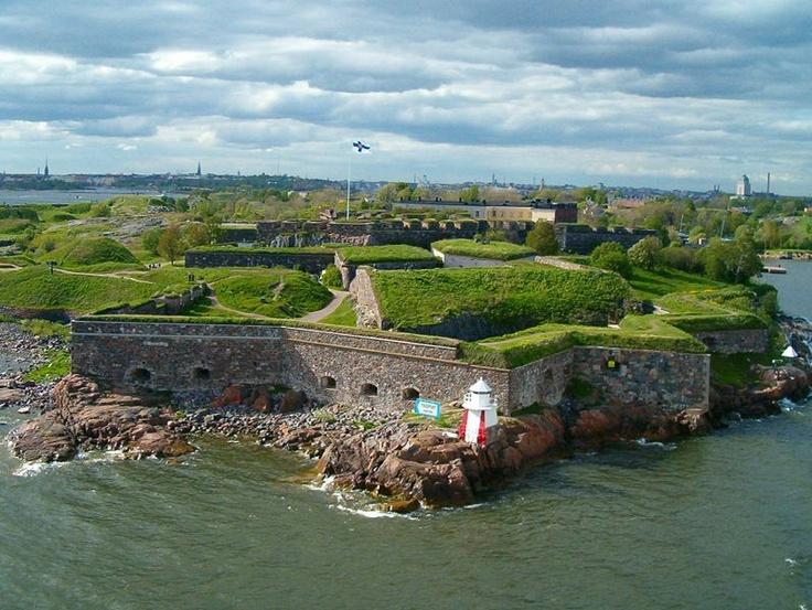 Fortaleza Suomenlinna, passeio. Ilha-fortaleza bem próximo do porto de Helsinki. Ótimo lugar para um piquenique.