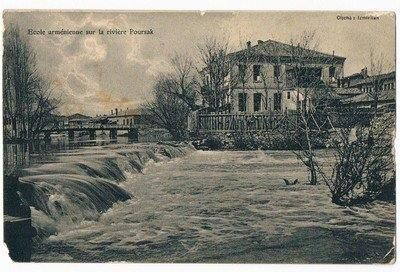 Eskişehir Porsuk çayı kıyısındaki Ermeni okulu.