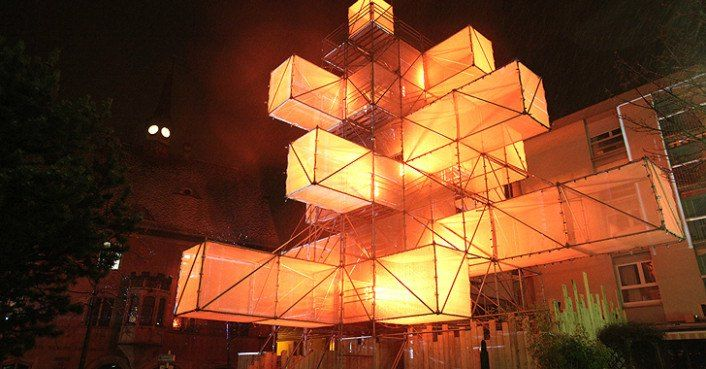 1024 Architecture S Abstract Led Christmas Tree Causes Controversy In Brussels Scaffolding Architecture Light Architecture