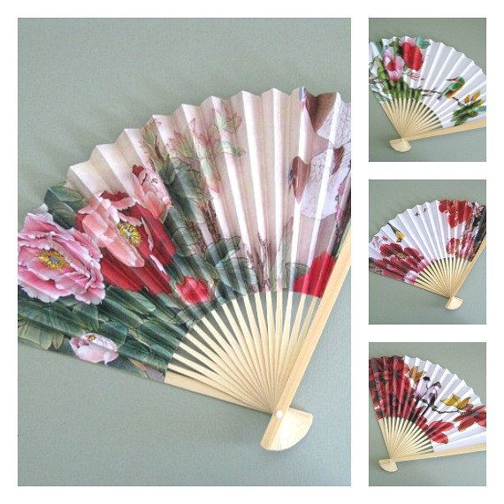 hanging paper fans Fepito 24 pcs hanging paper fans, tissue paper pom poms, paper lanterns and honeycomb balls for wedding, baby shower, birthday party decorations favor supplies by fepito £1499 prime eligible for free uk delivery.