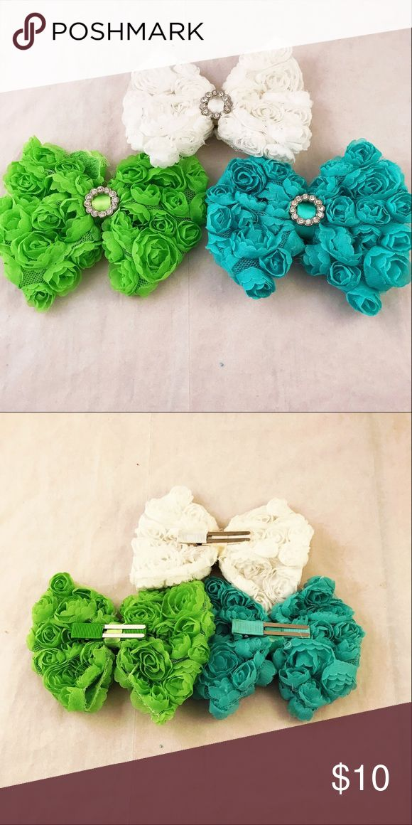 """3 Boutique Rosette Chiffon Rose Bling Center Bows Bows are 4.7"""" on alligator clip you white, lime, and turquoise. These belong to my daughter who out grew them. Happy Shopping 🎀 Accessories Hair Accessories"""