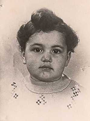 From Amsterdam, Netherlands. 3 year old Channa Frank was sadly murdered in Sobibor with her parents on July 23, 1943.