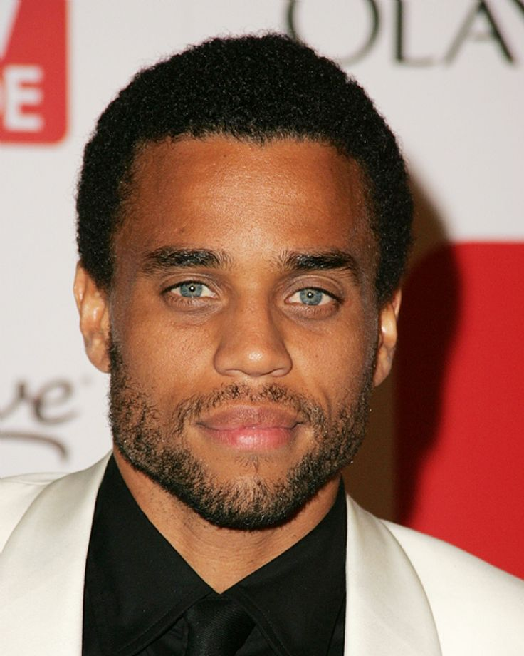Michael Ealy...so I just noticed this guy in the previews ...
