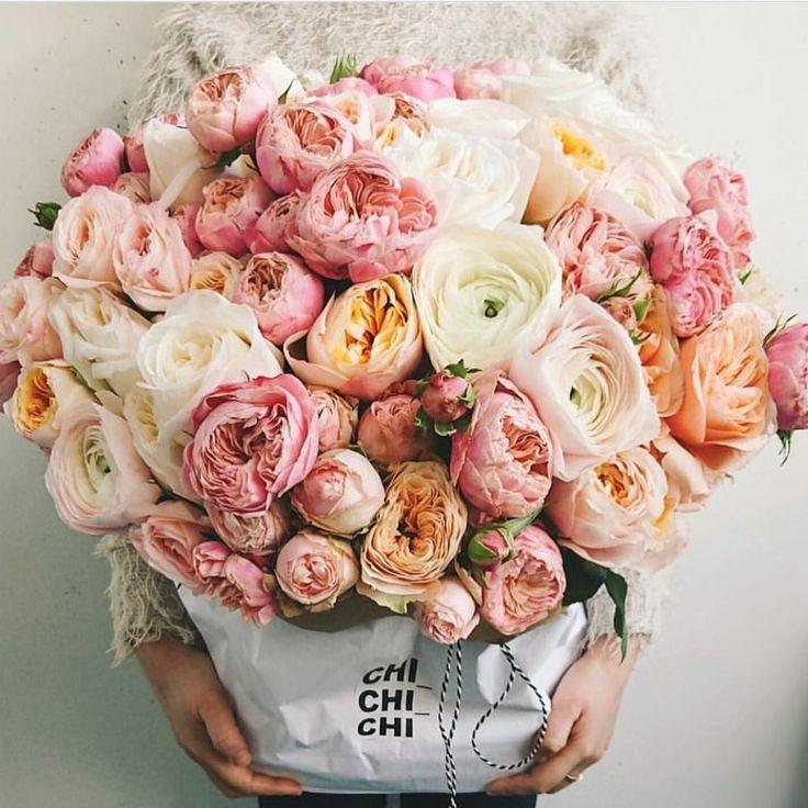 #buttonholes #wedding #weddingflowers #flowers #bride www.lesleycutlerbridalwear.co.uk