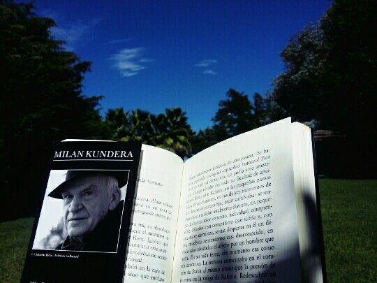 Kundera, sos mi vacación de la existencia.