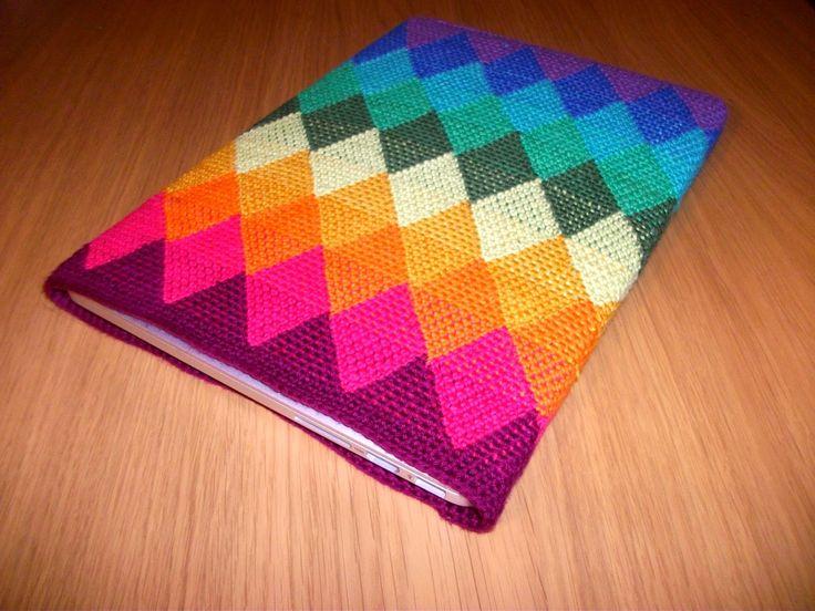 Kreaposen: Macbook-sleeve i Regnbue-harlekin