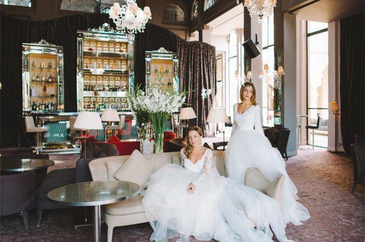 Luksusowy hotel w Afryce przepiękne suknie Polskiej topowej projektantki Polski fotograf i francuskie modelki całość brzmi magicznie a jednak przy odrobinie chęci do osiągnięcia. To marzenia motywują nas do działania pamiętajcie the sky is the limit a gdyby było Wam mało to ten wpis napisałem siedząc w Kapadocji w jednym z hoteli w Goreme przy tureckiej herbatce  . . . . . #slub #stylesession #weddings #weddingday #weddingplanner #konsultantślubny #weddingphotographer #weddinlove #wedding…