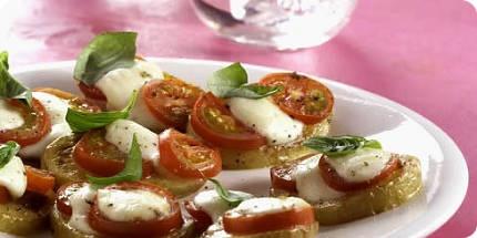 Lovely small bite: potato Burscetta // Leuk borrelhapje: Aardappel-burscetta.