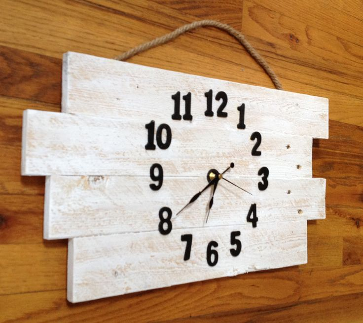 Rustic Farm Clock- from Pallet Wood