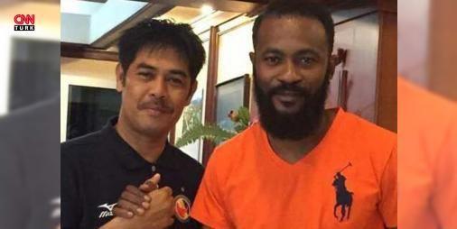 Didier Zokora Endonezya'ya gitti: Bir dönem Trabzonspor forması da giyen Fildişi Sahilli futbolcu Didier Zokora, Endonezya Birinci Futbol Ligi takımlarından Semen Padang'a transfer oldu.