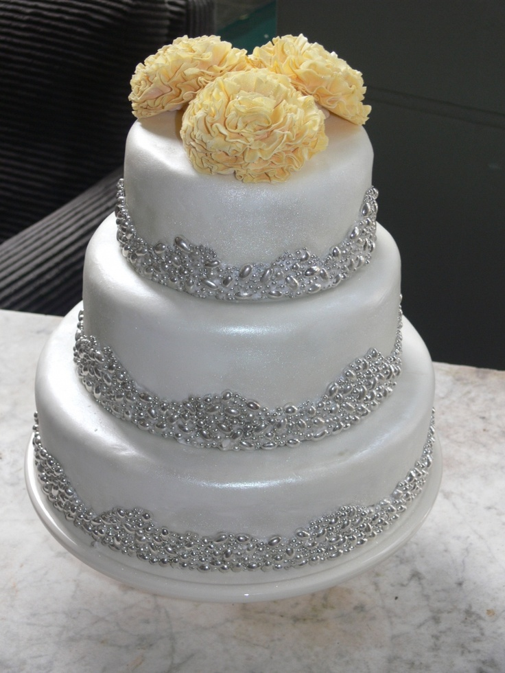 silver dragee cake mariage drages sur notre site http - Gateau Dragee Mariage