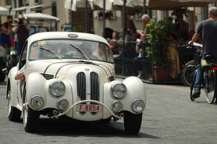 1000 Miglia old cars in florence