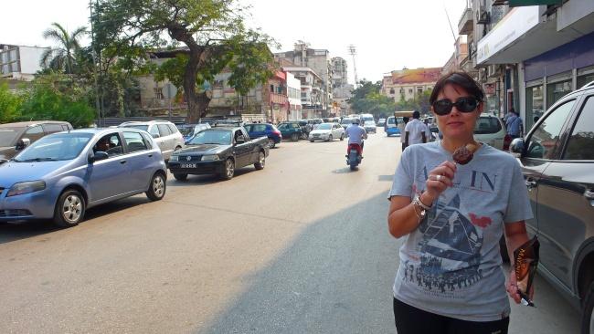La niña del Magnum. Luanda. Angola2012. | LdVPhotos