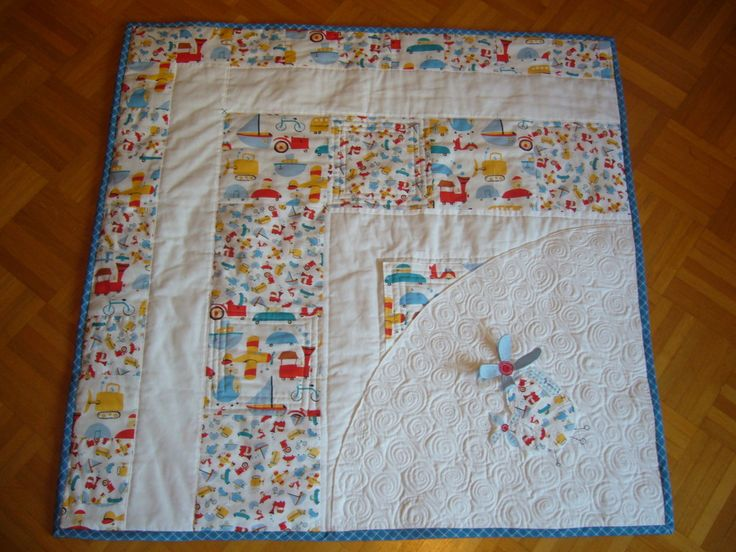 https://flic.kr/p/8ixJu9 | Baby Boy Quilt Helikopter | approx 94*94cm  maschinepieced and free motion quilted