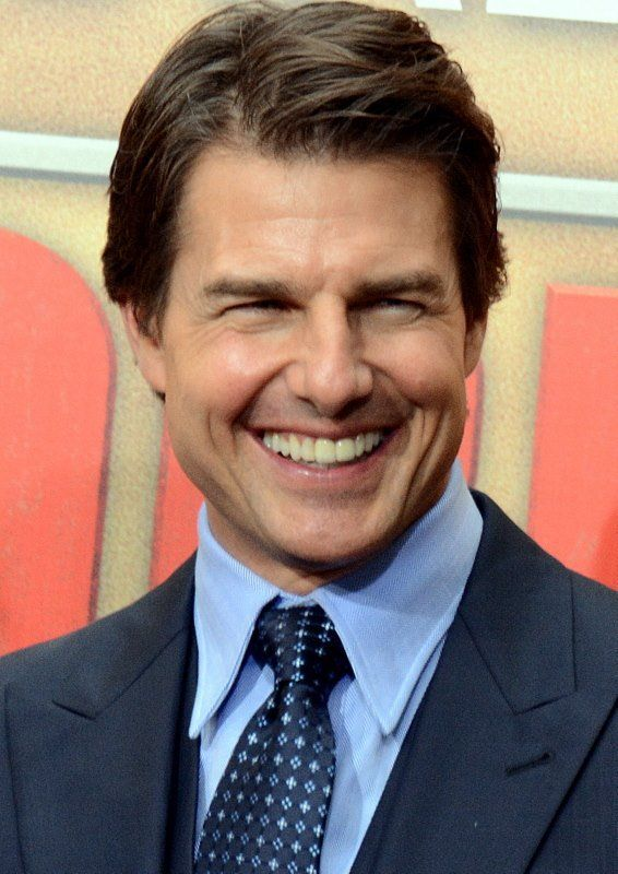 Tom Cruise Height, Weight Body Measurements and Wikis