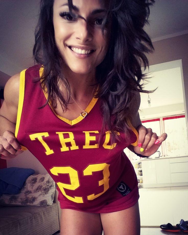 #trecgirl #fitbody #lifestyle #trecshirt #happy