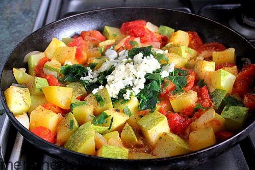 Рецепт рагу из кабачков и помидоров / Меню недели