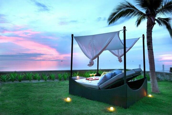Would love a day bed like this