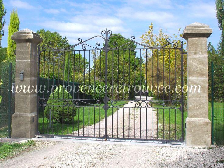 Piliers de portail en pierre portail fer forg portail for Portillon en fer vert
