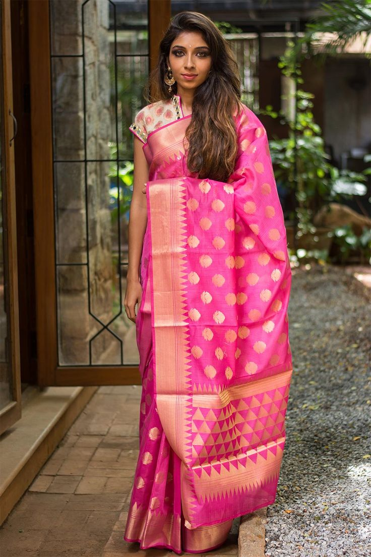 """We """"pink""""y promise you that this is in our list of top festive sarees this…"""