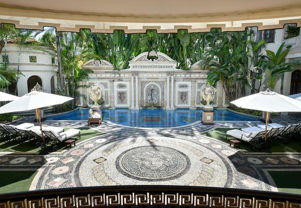 La villa di Gianni Versace a Miami Casa Casuarina - Elle Decor Italia