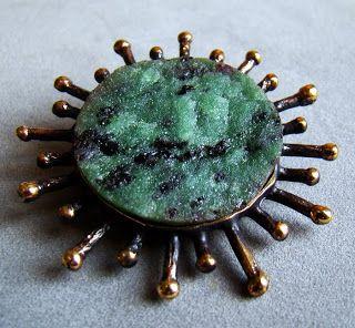 Reino Saastamoinen, bronze with zoisite