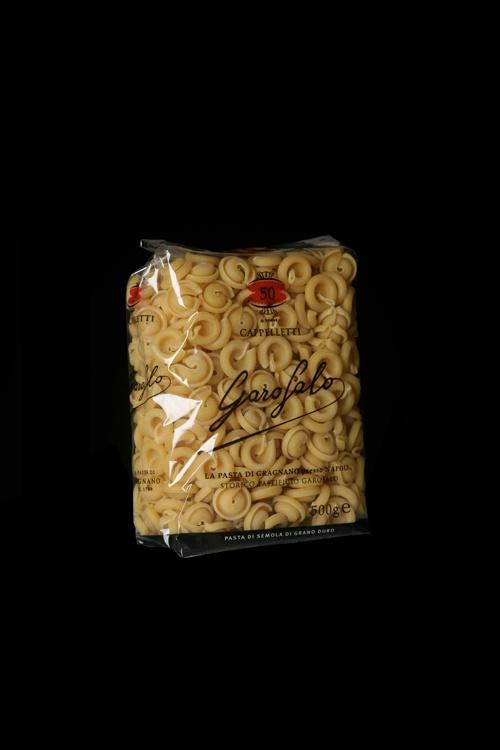 Cappelletti è un formato di Pasta Corta di Pasta Garofalo.  Scopri gli altri formati su: www.pastagarofalo.it