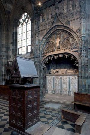 Chiesa e Convento di San Giovanni. Saluzzo - Coro con monumento funebre del Marchese Ludovico II (1508 circa)