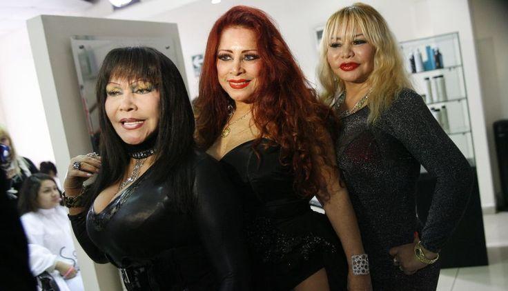 """""""Las Poderosas"""" salieron al frente con Susy Díaz a la cabeza del trío que completan La Tigresa del Oriente y Monique Pardo."""