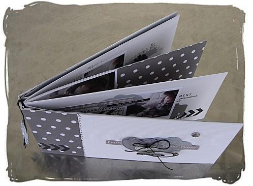 great idea - black and white papers and photos=Mini tout beau , tout simple de KARINE-SCRAP